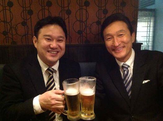 乾杯する渡邉美樹氏と清水邦晃氏