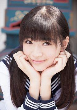 キュートな微笑み、優希美青さん
