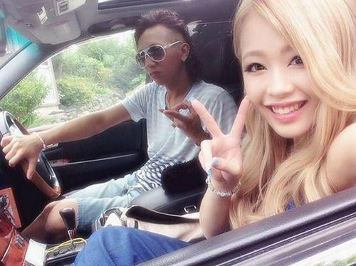 堀鈴香さんと小関嵩人さんの2ショット写真