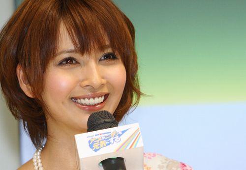 ハーフっぽい顔立ちの加藤夏希さんの写真