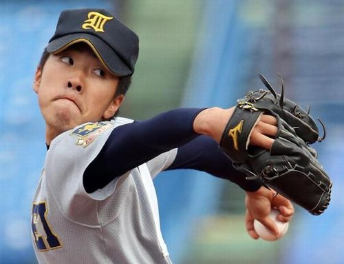 佐藤世那投手の写真