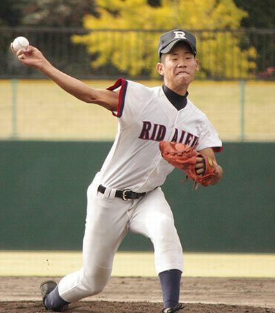 西山雅貴投手の写真