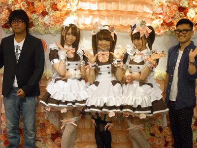 丸山敬太さんデザインのメイドカフェ衣装