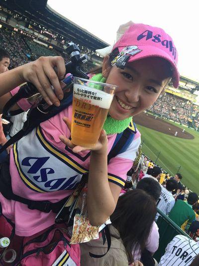 甲子園のビール売り子