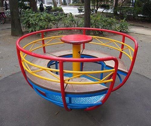 長島一号公園の回転遊具