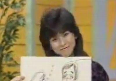 川島なお美がお笑いマンガ道場で絵を描いている画像