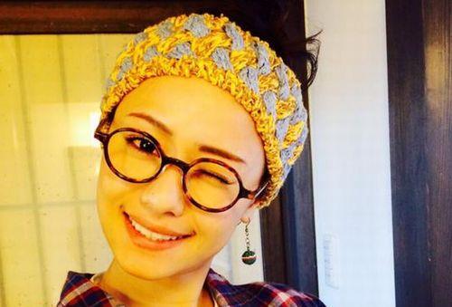 廣井ゆうさんがメガネをかけているところ