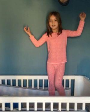 トランプ氏の孫アラベラ・ローズちゃんがPPAPを踊っている様子